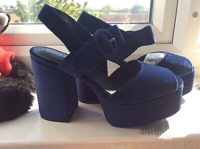 Jeffery Campbell blue velvet platform sandal size 4 new in box