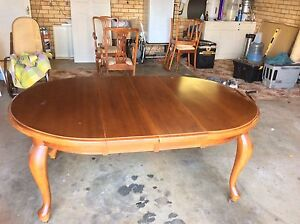 Antique table and chairs Narromine Narromine Area Preview