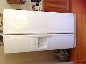 Fridge freezer with ice maker Sorell Sorell Area Preview