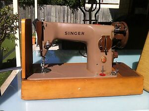 Singer sewing machine Cannon Hill Brisbane South East Preview
