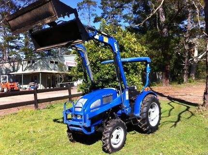 Lener Tractor front End Loader 4in1bucket only 499 hrs 4x4 Kangaroo Valley Shoalhaven Area Preview