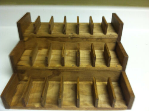 Stablemate Chips Holder (holds 21) Stone Breyers - protect your models