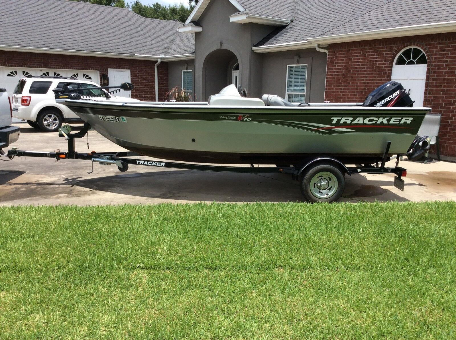 Bass Tracker ProGuide V16 Mercury Outboard Aluminum Welded Trailer