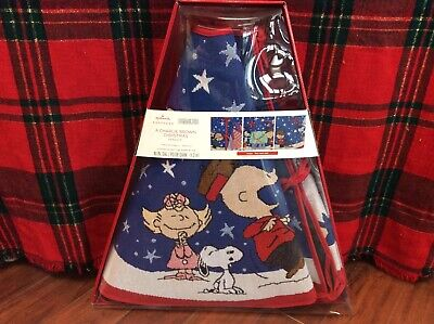 HALLMARK A CHARLIE BROWN CHRISTMAS LIGHTED TREE SKIRT 2019 NEW  IN BOX PEANUTS ()