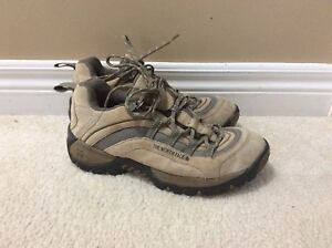 Women's north face hiking shoes size 9