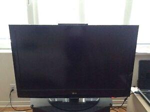 """LG 42"""" HDTV Full HD 1080P"""