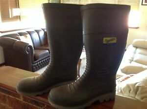 Gum boots Willagee Melville Area Preview
