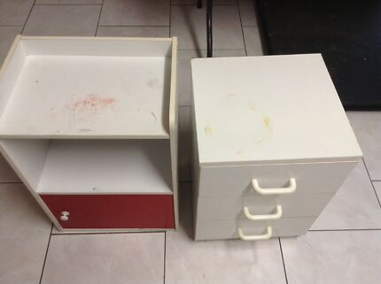 FREE ONE SMALL CUPBOARD & ONE SMALL SET OF DRAWERS BOTH NEED SOME TLC