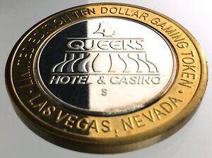 Ten-Dollar-Gaming-Token-4-Four-Queens-Casino-Las-Vegas-Nevada-Silver-R975