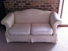 2 1/2 seater cream sofa. Urgent must sell. Make an offer. Coorparoo Brisbane South East Preview