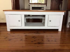 Timber TV Unit Waratah West Newcastle Area Preview