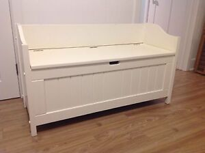 White storage bench with/out seat cushion banquette