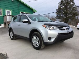 2015 Toyota RAV4 LE AWD WITH AIR CONDITIONING - FRESH OFF LEASE!