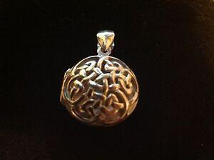 925 Sterling Silver Filigree Celtic Love knot Round locket 20mm Vintage design