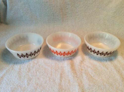 FEDERAL MILK GLASS 3 SOUP , CEREAL & CHILI BOWLS DIAMOND ATOMIC HARLEQUIN