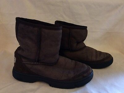UGG AUSTRALIA ULTIMATE SHORT #1240 CHOCOLATE BROWN ANKLE BOOT SIZE 4, used for sale  South Deerfield