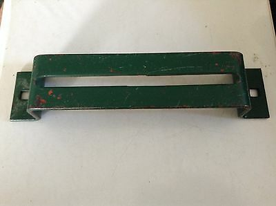 711794 - A New Idler Bracket For A New Idea No. 351 351a 351b Manure Spreaders