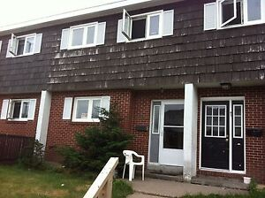 ROOM FOR RENT CLOSE TO AVALON MALL