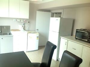 Self contained 1 bedroom unit. Rockbank Melton Area Preview