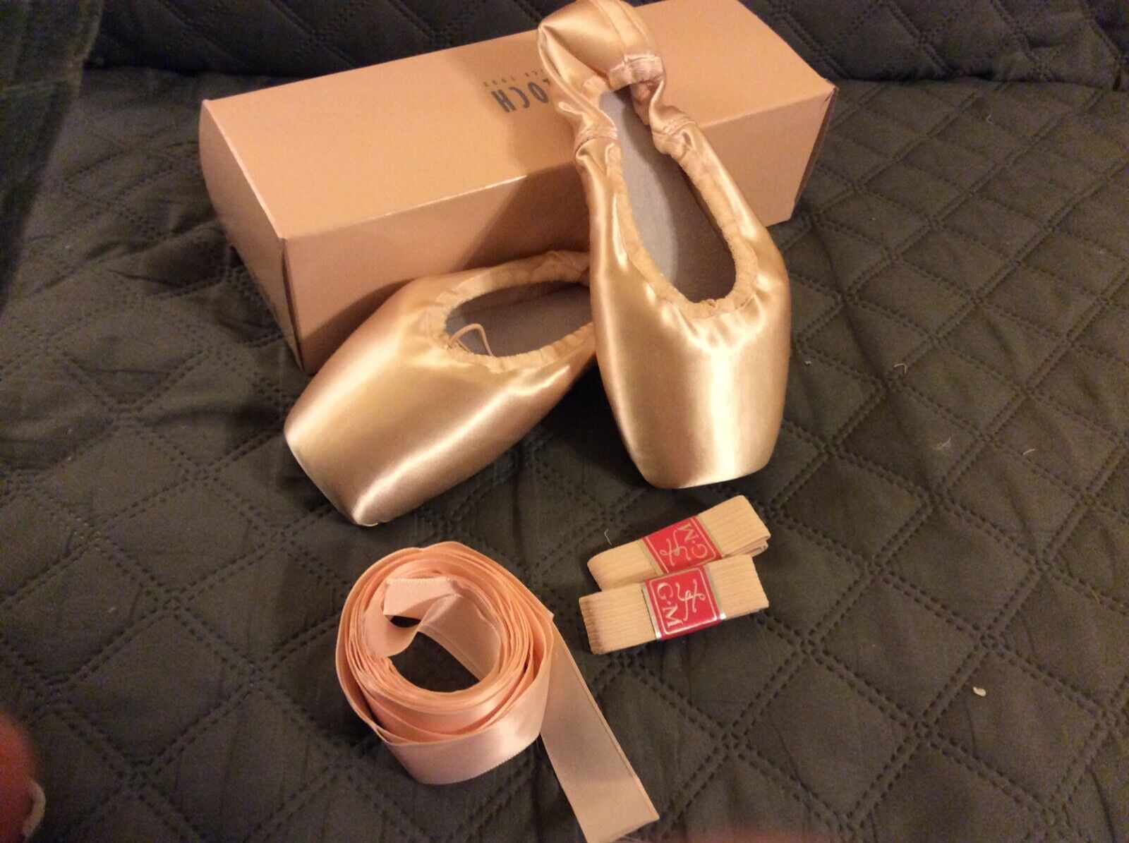 NEW In BOX BLOCH EUROPEAN BALANCE Ballet Pointe Toe Shoes Size 4.5 X - $29.99