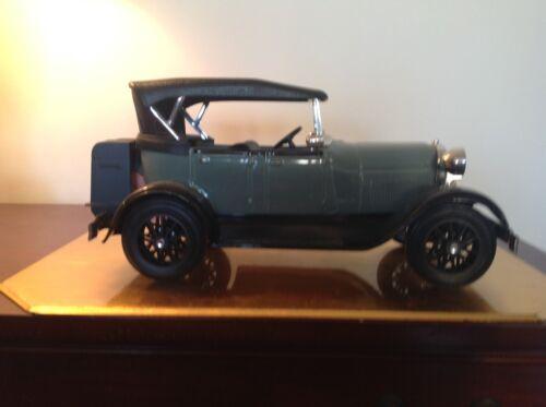 "JIM BEAM CAR DECANTER-1929 FORD PHAETON,MODEL ""A"""