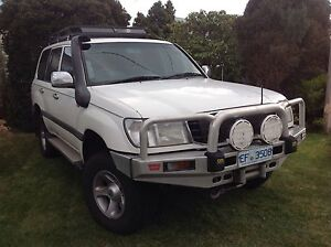 Toyota Land Cruiser 105 - many extras Bellerive Clarence Area Preview