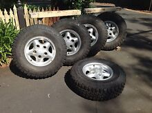 Range Rover or Discovery rims and tyres Warranwood Maroondah Area Preview