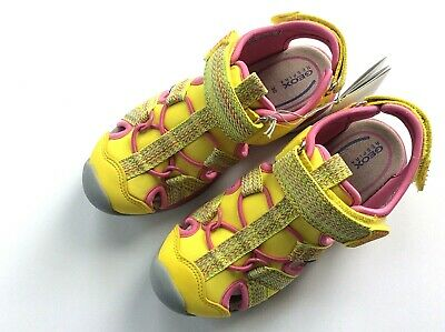 Geox girls US12 EURO 30 closed toe sandal yellow w pink trim and stripe textile
