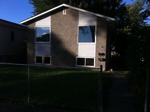Clean and spacious 3 Bedroom upper split level unit on Manitoba