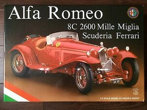 Pocher-1-8-Alfa-Romeo-8C-2600-Mille-Miglia-Scudaria-Ferrari-K81-Model-Car-Kit