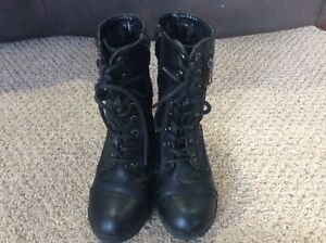 Girl's size 11 Boots - Exc. Cond.