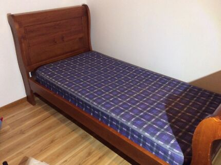 Singe wooden sleigh bed Wollongong 2500 Wollongong Area Preview