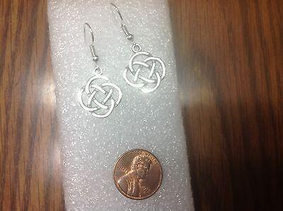 NEW  lovely pair Silver Alloy Dangle Tribal Round Knot Celtic Earrings