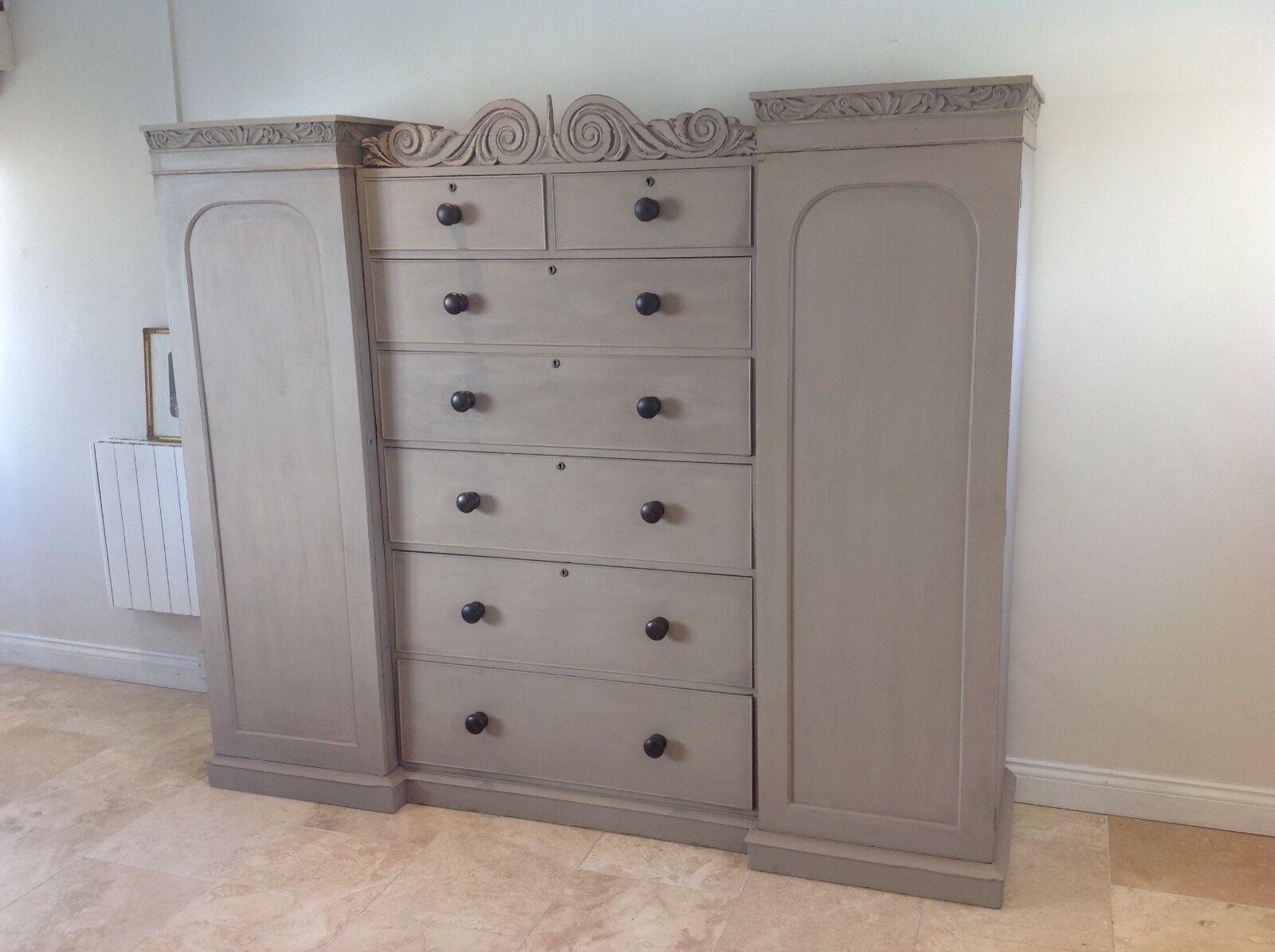 Painted triple wardrobe compactum press cupboard