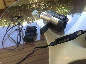 Samsung 8mm camcorder model SCL700 Innaloo Stirling Area Preview