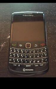 Blackberrys white and black | 30$ |