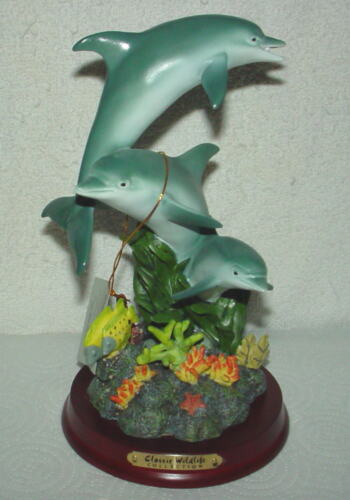 NEW CLASSIC WILDLIFE COLLECTION DOLPHINS STATUE