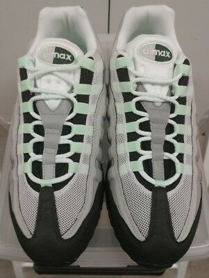 baeed1fc01 DS NWOB NIKE AIR MAX 95SIZE 9.5 SKU 609048-136Color: White / Nw Grn