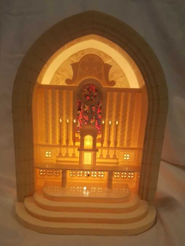 Vintage CHRISTMAS PARAMOUNT Raylite ELECTRIC Church ALTAR MUSICAL plastic light