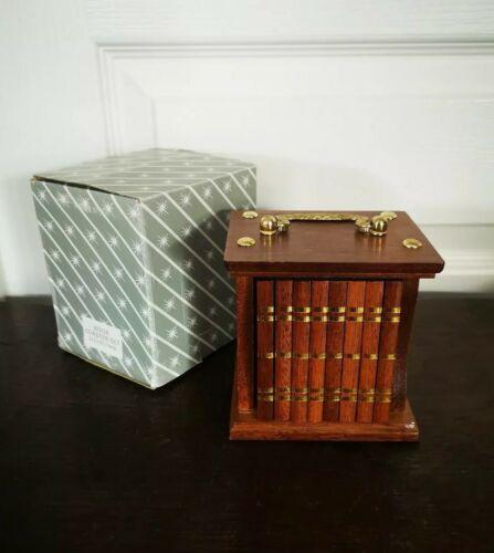 Vintage très jolis 8 dessous de verre coffret livre / book coaster set en bois