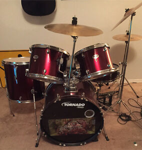 Mapex drum kit.