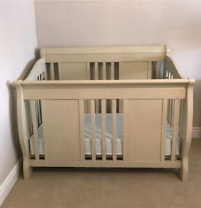 Catania Convertible Crib with Matress
