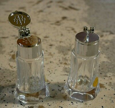 Vintage collectible 70s crystal salt & pepper shaker.  Retro