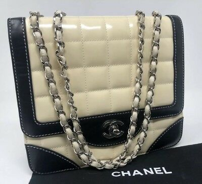 CHANEL Ivory Patent Leather Chocolate Bar Quilted Flap Shoulder Bag Chain