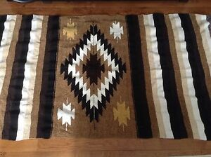 Brand new area rug very nice colour excellent conditions