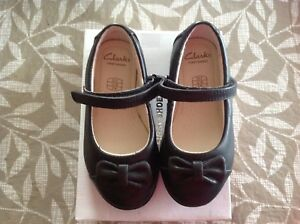 Clark toddler shoes size $5.5