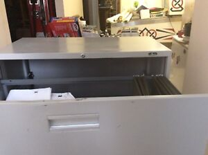 Legal size 3 draw filing cabinet