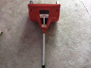 Gas snow shovel