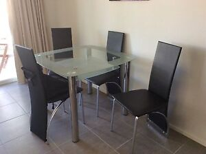 Dining / kitchen table and 4 chairs. Patterson Lakes Kingston Area Preview