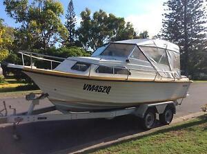 Cruise Craft Rambler half cabin Cruiser with Aluminum Trailer Runaway Bay Gold Coast North Preview
